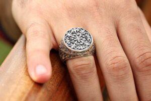 Los 10 mejores anillos de plata de hombre